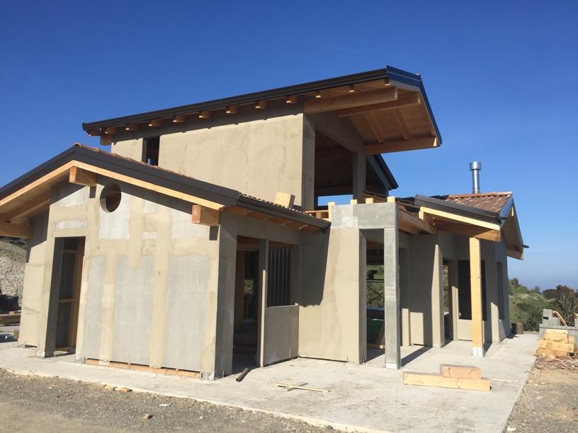 Casa in legno su due livelli tornatore case in legno for Aggiunte a casa su due livelli