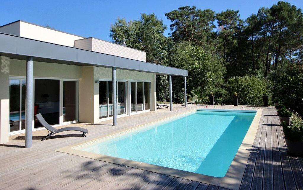 casa prefabbricata in legno con piscina offerta
